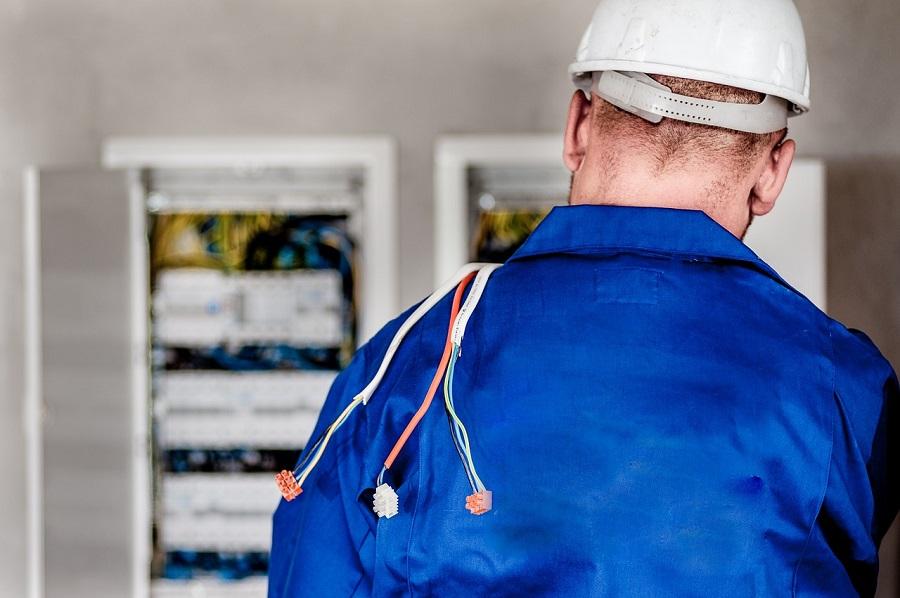 Prowadzenie firmy elektroinstalacyjnej